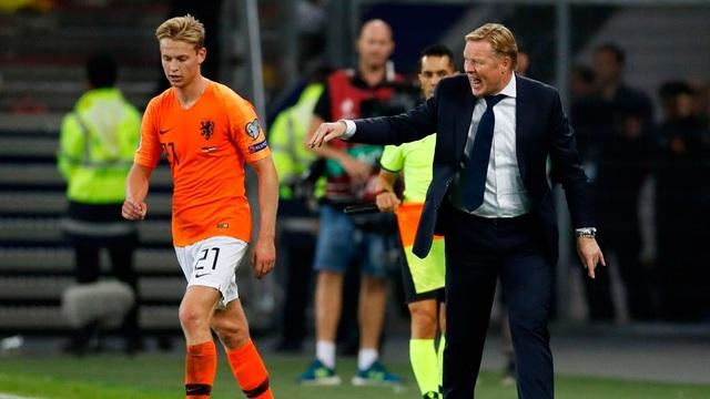 HLV đội tuyển Hà Lan nhập viện để phẫu thuật tim - 2