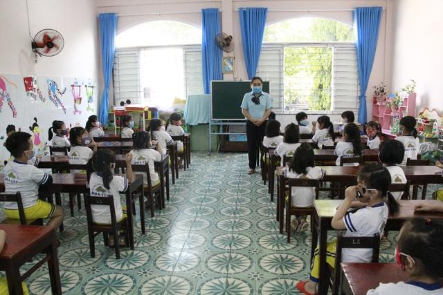 Hàng triệu học sinh đi học trở lại, nhà trường tích cực phòng ngừa dịch - 13