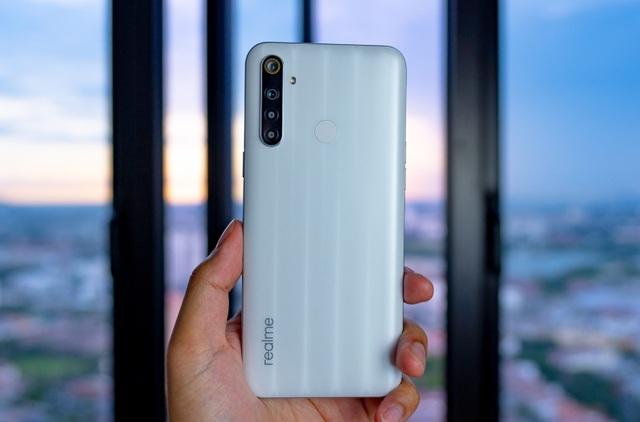 Những smartphone mới nổi bật trong tháng 5/2020 - 4