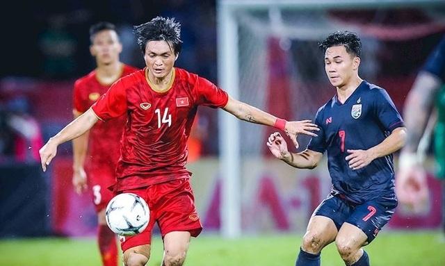 Hạn chế số lượng tiền đạo ngoại tại V-League: Nguy cơ phản chuyên nghiệp - 1