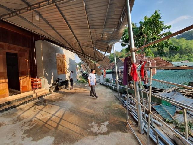 Cận cảnh trận lốc xoáy càn quét bản làng xứ Nghệ - 3