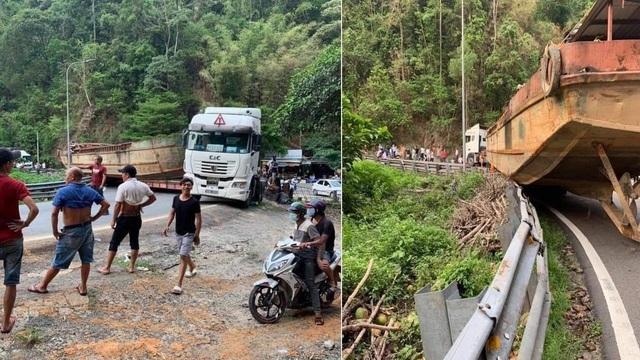 Phạt 92 triệu đồng xe chở thuyền khủng gây tê liệt đèo Bảo Lộc - 1