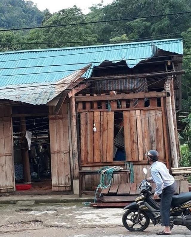 Cận cảnh trận lốc xoáy càn quét bản làng xứ Nghệ - 15
