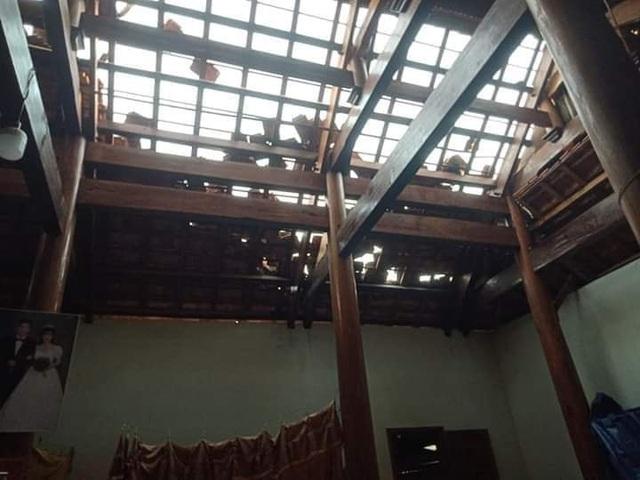 Cận cảnh trận lốc xoáy càn quét bản làng xứ Nghệ - 12