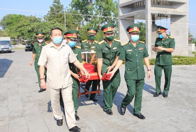 Truy điệu, an táng 16 hài cốt và 1 mộ tập thể liệt sĩ hy sinh tại Lào - 2