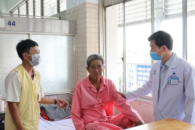 """Đại phẫu """"3 trong 1"""" cứu bệnh nhân ung thư đã di căn - 2"""