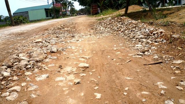Nghệ An: Quốc lộ xuống cấp thê thảm, rình rập tính mạng người dân - 7
