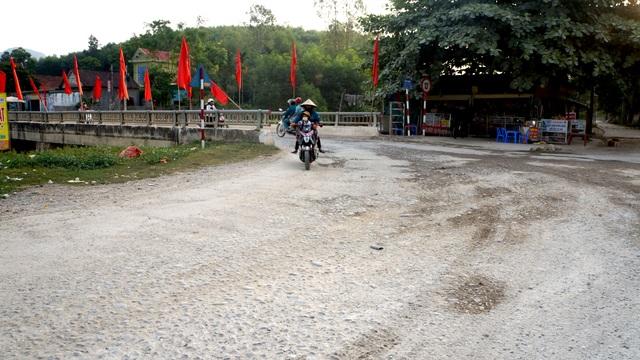 Nghệ An: Quốc lộ xuống cấp thê thảm, rình rập tính mạng người dân - 14