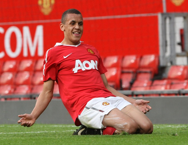Cựu thần đồng Man Utd hối tiếc vì buông thả quá sớm - 2