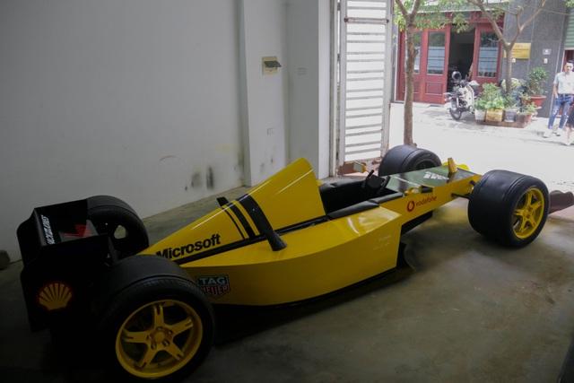 Hụt xem giải F1 tại Hà Nội, fan bỏ 50 triệu làm xe đua mô hình - 1