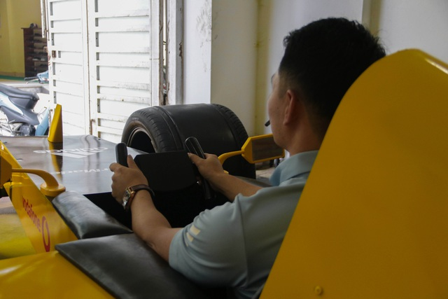 Hụt xem giải F1 tại Hà Nội, fan bỏ 50 triệu làm xe đua mô hình - 11