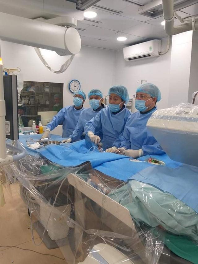 """Bệnh viện tuyến quận """"mở đường"""" phẫu thuật tim cứu 100 ca bệnh - 2"""