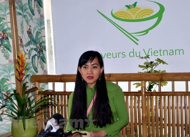 Tấm lòng người Việt - chỗ dựa trên tuyến đầu chống COVID-19 ở Thụy Sĩ - 2