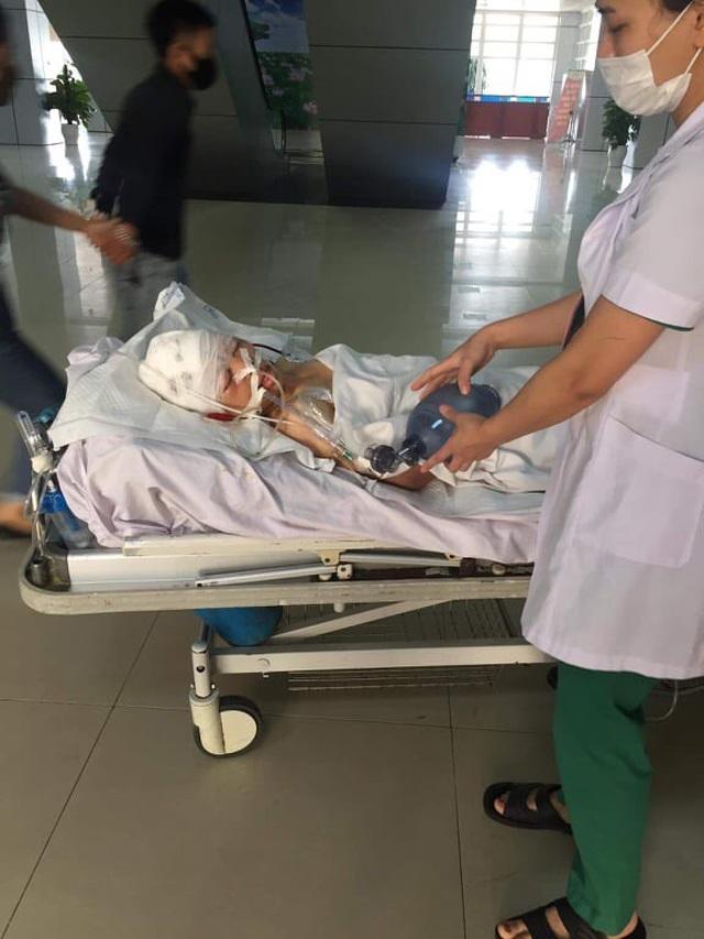 Từ bệnh viện, cậu học trò cầu xin nhà hảo tâm cứu mẹ đang rất nguy kịch - 2