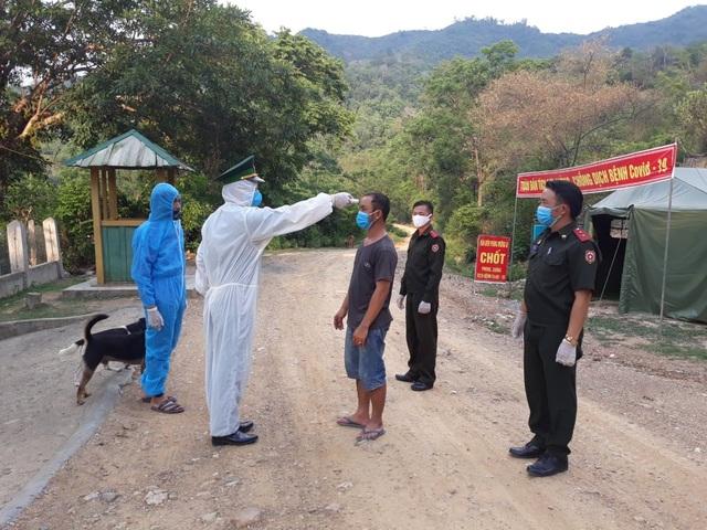 Cách ly 4 người vượt biên trái phép từ Lào về Việt Nam - 2