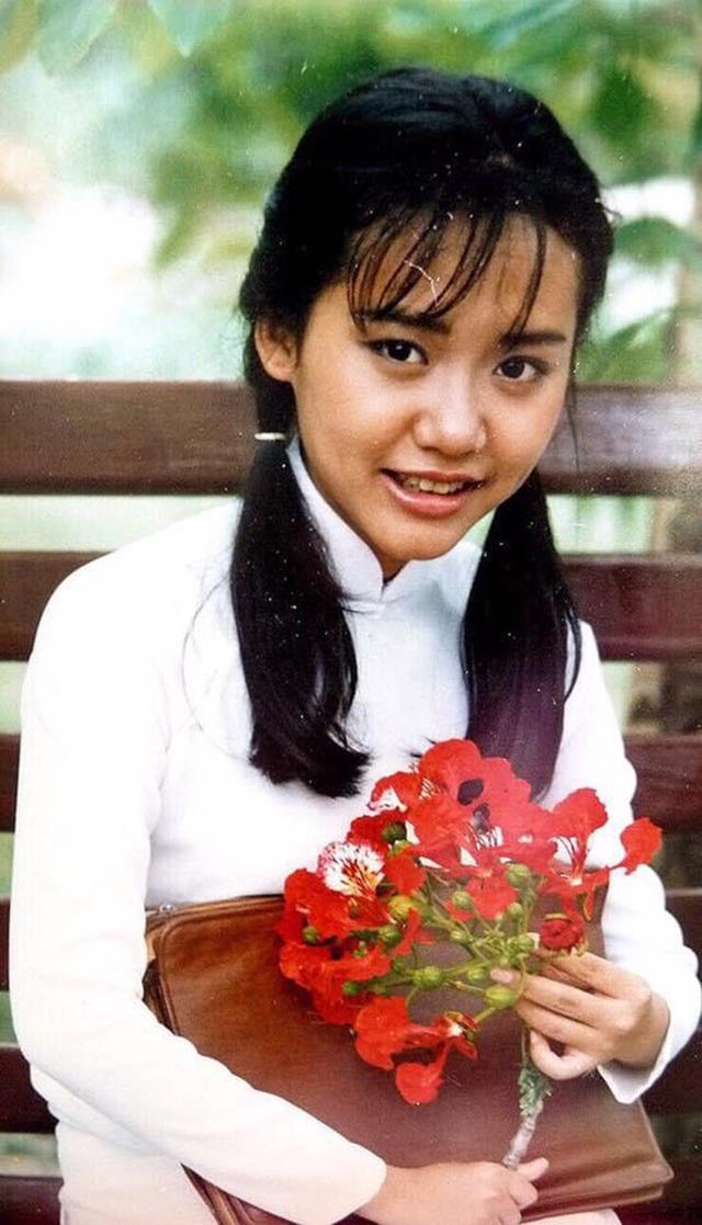 Loạt ảnh tuổi 20 chưa từng công bố của diễn viên Hồng Ánh - 1
