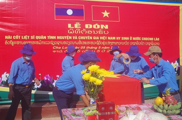 Quy tập 31 hài cốt liệt sĩ quân tình nguyện Việt Nam hy sinh tại Lào - 1