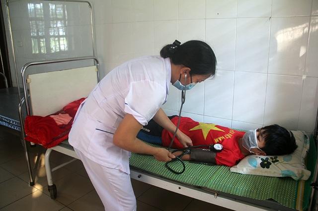 Từ bệnh viện, cậu học trò cầu xin nhà hảo tâm cứu mẹ đang rất nguy kịch - 5