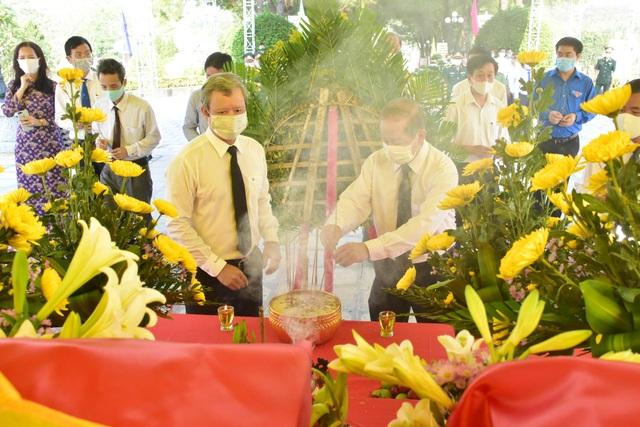 Quy tập 31 hài cốt liệt sĩ quân tình nguyện Việt Nam hy sinh tại Lào - 6