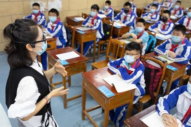 Trung Quốc: Học sinh tử vong sau khi đeo khẩu trang trong giờ chạy thể dục - 1