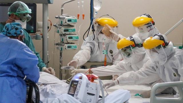 Báo Nhật: Vingroup làm máy thở nhằm phòng vệ làn sóng virus tiếp theo - 1