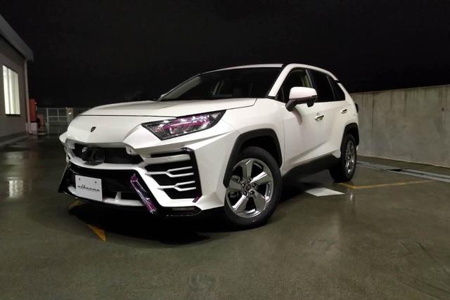 Độ xe Toyota thành Lamborghini Urus - 2