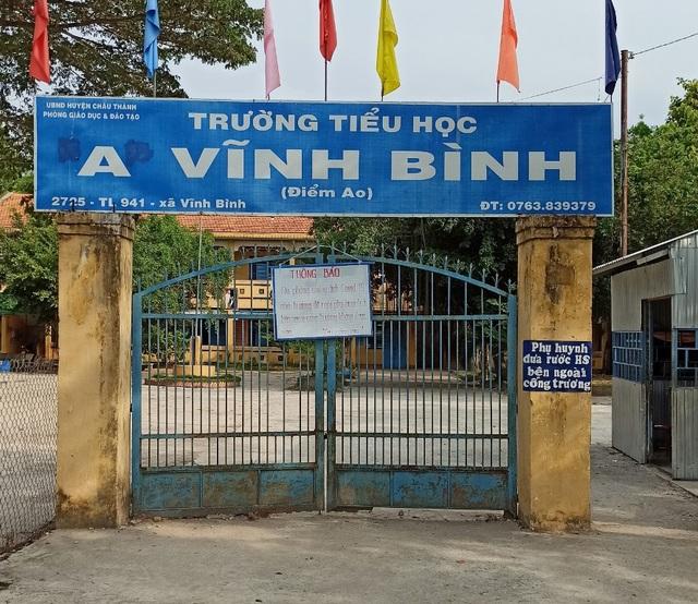 Từ Campuchia về, 2 học sinh đi học trở lại, 66 người bị cách ly - 1