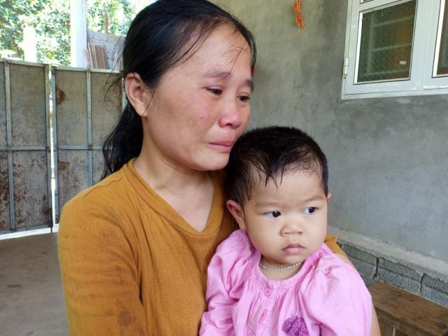 Trao 146 triệu đồng đến người mẹ nghèo không có tiền mổ tim cho con - 3