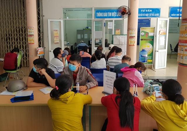 Khánh Hòa: Hơn 10.000 người nhận trợ cấp thất nghiệp qua 6 tháng đầu năm - 1