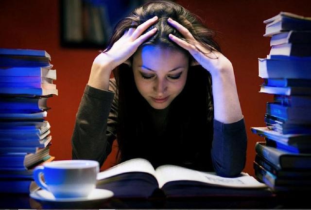 Căng thẳng, áp lực và thức khuya nhiều có bị ung thư không? - 1