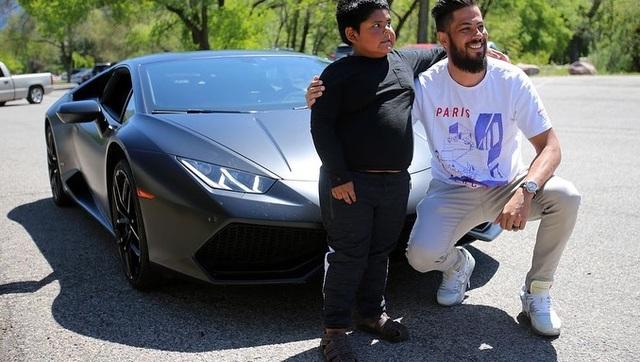 Đoạn kết bất ngờ cho cậu bé 5 tuổi tự lái ô tô đi mua xe Lamborghini - 5