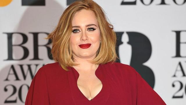 Giảm 45kg, Adele sở hữu thân hình nóng bỏng - 1
