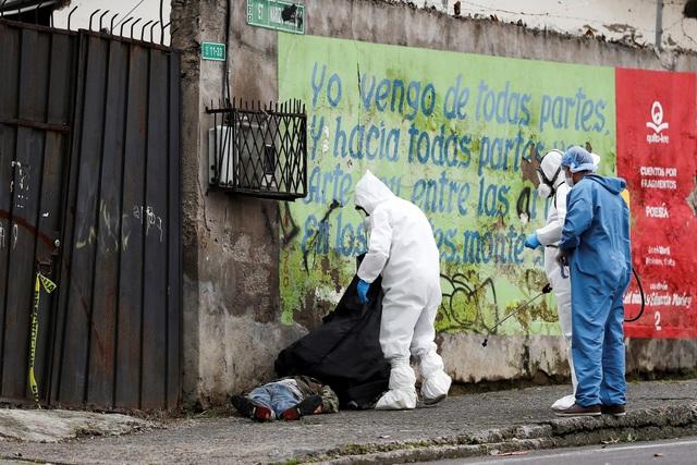 Hơn 1.600 người chết vì Covid-19, thi thể nằm ngay trên đường phố Ecuador - 5