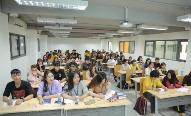 Trường ĐH đầu tiên tại TPHCM công bố điểm chuẩn từ xét học bạ - 1