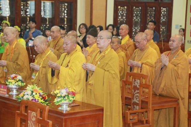 Lễ Phật đản đặc biệt ở chùa Quán Sứ - Hà Nội - 3