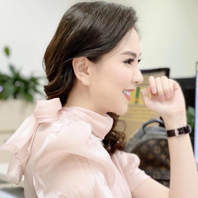 """BTV Mai Ngọc tiết lộ góc """"giá trị nhất"""" trong căn hộ của hai vợ chồng - 1"""