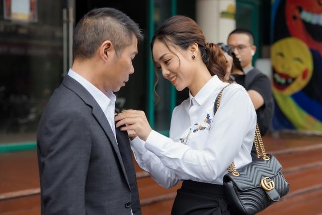 Bạn gái chúc mừng NSND Công Lý lên chức Phó Giám đốc Nhà hát Kịch Hà Nội - 4