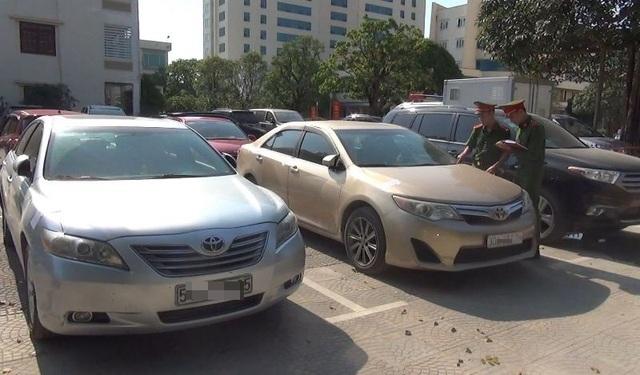 Phát hiện, thu giữ 10 xe ô tô tiền tỷ nhập lậu từ Lào về Việt Nam - 1