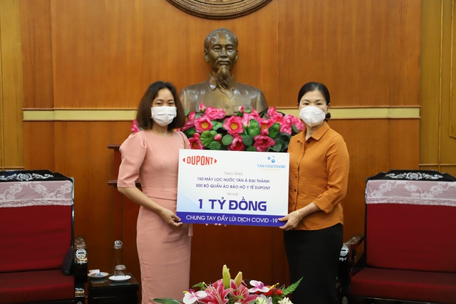 Tân Á Đại Thành và Dupont trao quà trị giá 1 tỷ đồng chống Covid19 - 1