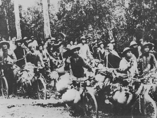 Món quà quý của quân dân Quân khu 4 gửi chiến trường Điện Biên Phủ - 1