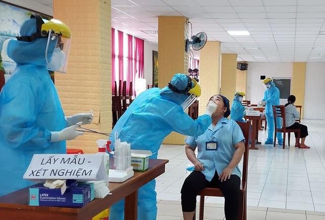 Nam phi công nhiễm Covid-19: Đã âm tính trở lại nhưng phổi đông đặc - 2