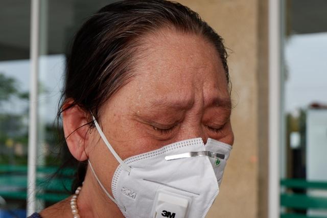 Bệnh nhân Covid-19 từng thở máy bật khóc trong ngày được công bố khỏi bệnh - 4