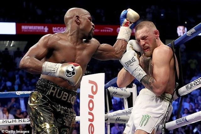 Gã điên McGregor nhận lời thách đấu của tay đấm huyền thoại De La Hoya - 2