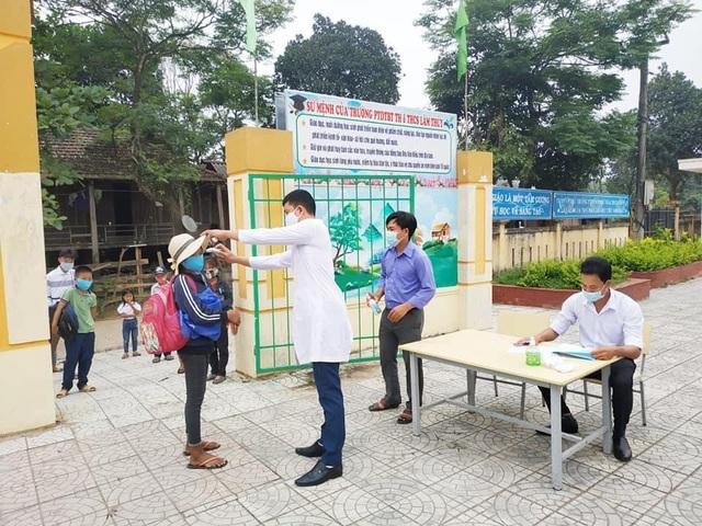 Quảng Bình: Hỗ trợ gạo cho hơn 5.500 học sinh vùng đặc biệt khó khăn - 1