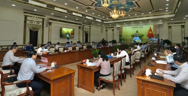 Thủ tướng nhắc TPHCM sớm hỗ trợ người nghèo bị ảnh hưởng bởi Covid-19 - 1