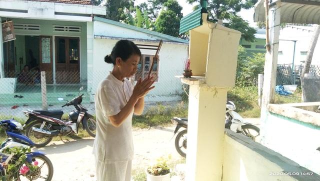 Vụ lật ghe, 5 người mất tích trên sông Thu Bồn: 3 con thơ bơ vơ khi mất cha - 4