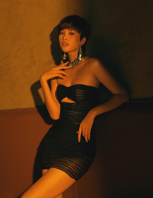 Hoa hậu Trần Tiểu Vy khác lạ với tóc ngắn cá tính - 8