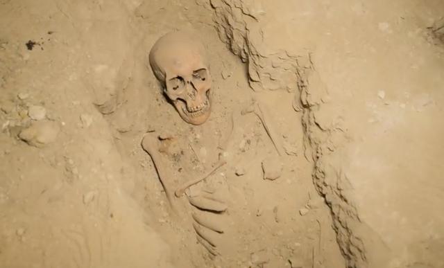 """Khám phá """"Thành phố của người chết"""" thời Ai Cập cổ đại - 9"""