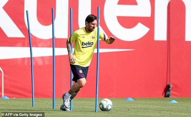 Messi và đồng đội nỗ lực tập luyện chờ ngày La Liga trở lại - 1