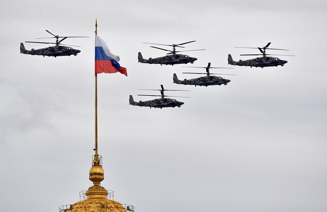Dàn máy bay Nga phô diễn sức mạnh tại lễ duyệt binh Ngày Chiến thắng - 2